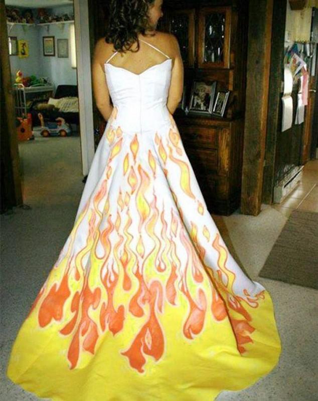 Rochie în flăcări