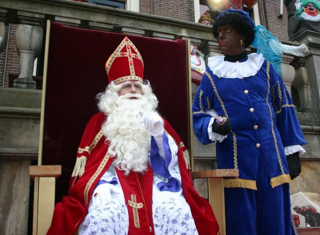 Sinterklaas şi Zwarte Piet