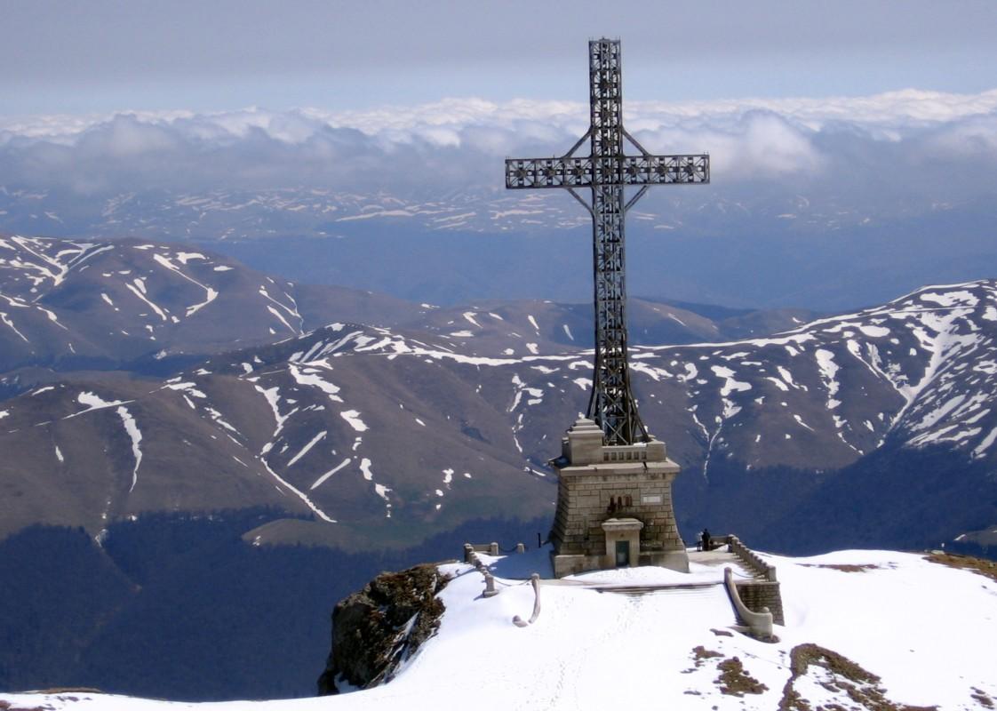 Crucea Eroilor Neamului de pe Muntele Caraiman