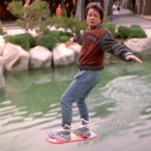 Marty McFly pe hoverboard
