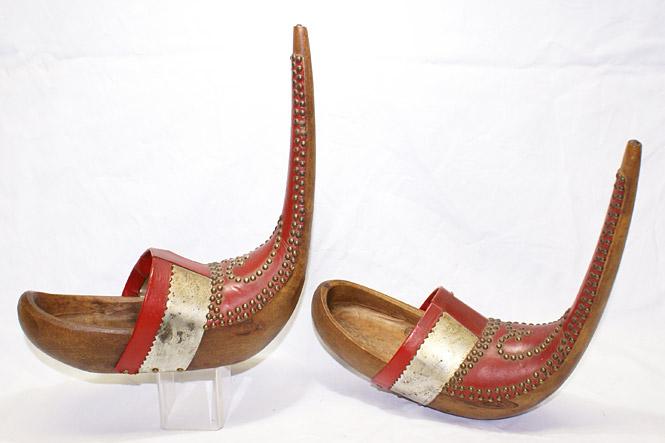 pantofi de mireasă din lemn