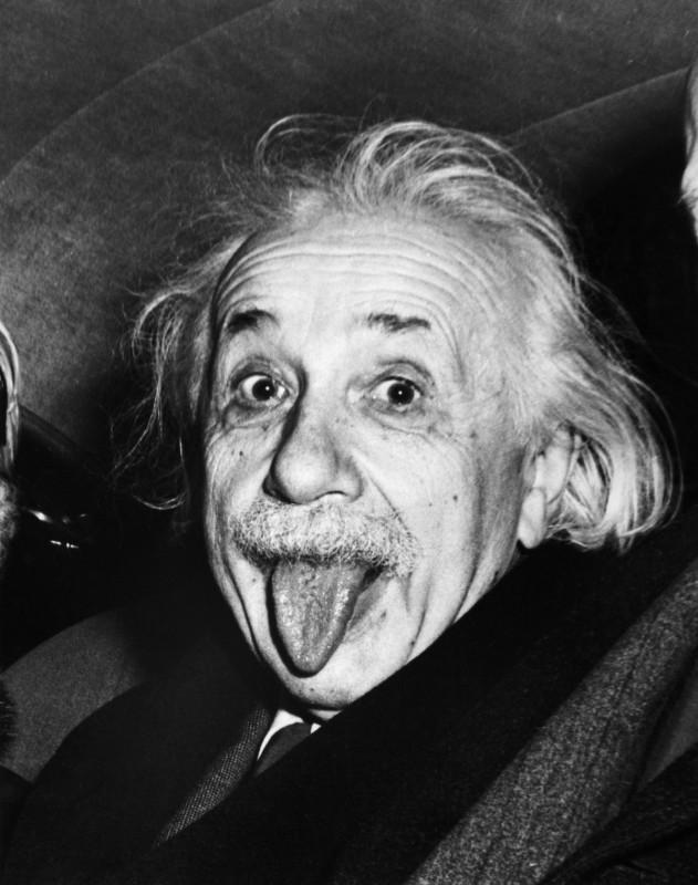 Albert Einstein cu limba scoasă