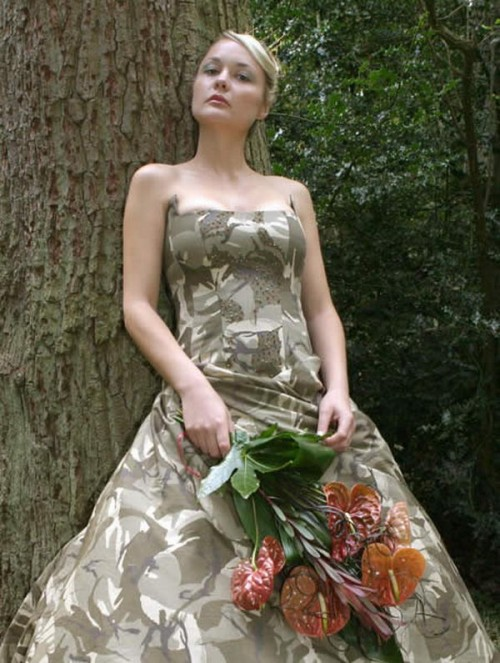 Rochie de camuflaj