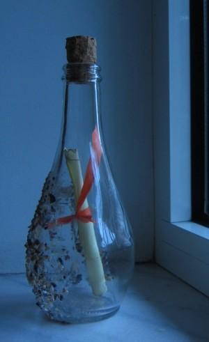 Sticla găsită pe plajă